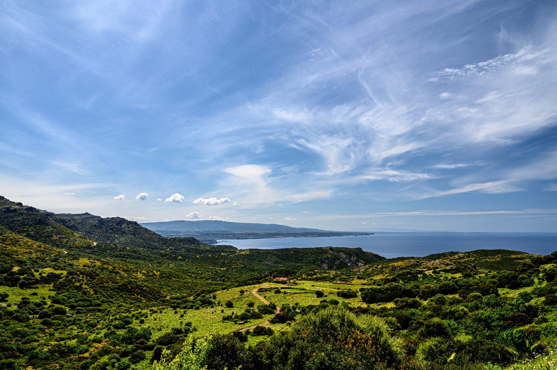 Sardinien – grüne Berge und mehr Meer